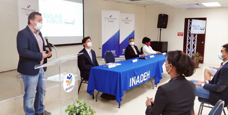 Primer aula móvil de energía térmica en Panamá