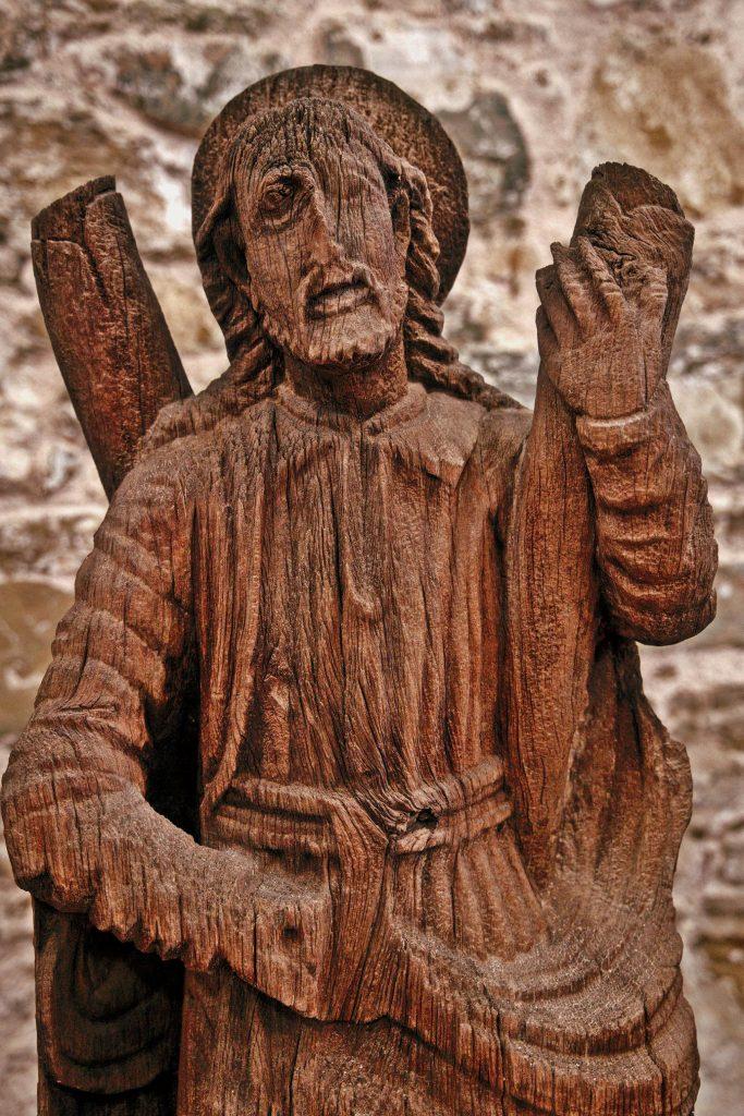 Analizan madera del retablo de Catedral Metropolitana
