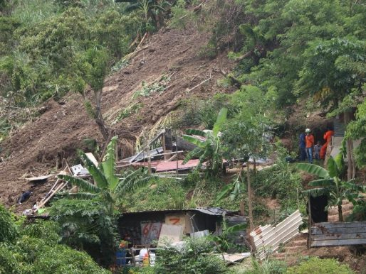 Gobierno atiende contingencias por lluvias e incendios