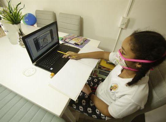 Empresarios de Panamá piden un regreso voluntario a clases semipresenciales