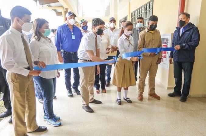 Gobierno inaugura nueva escuela para Bocas del Toro