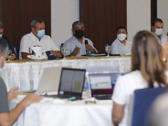 Inicia reunión entre el ministro de Salud y empresarios de Veraguas