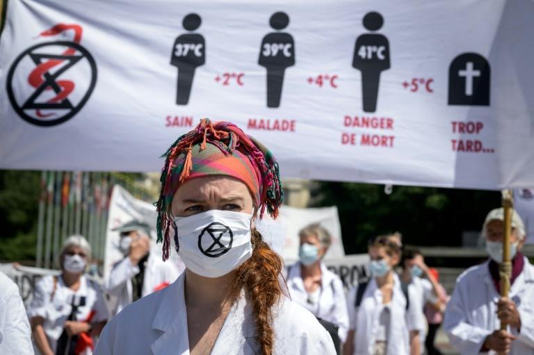 Manifestación ante la OMS pide reaccionar ante efectos del cambio climático en la salud