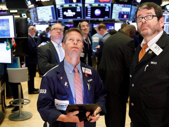 Wall Street termina en positivo tras jornada inestable