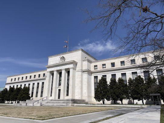 Wall Street subió y el Dow Jones cerró con nuevo récord
