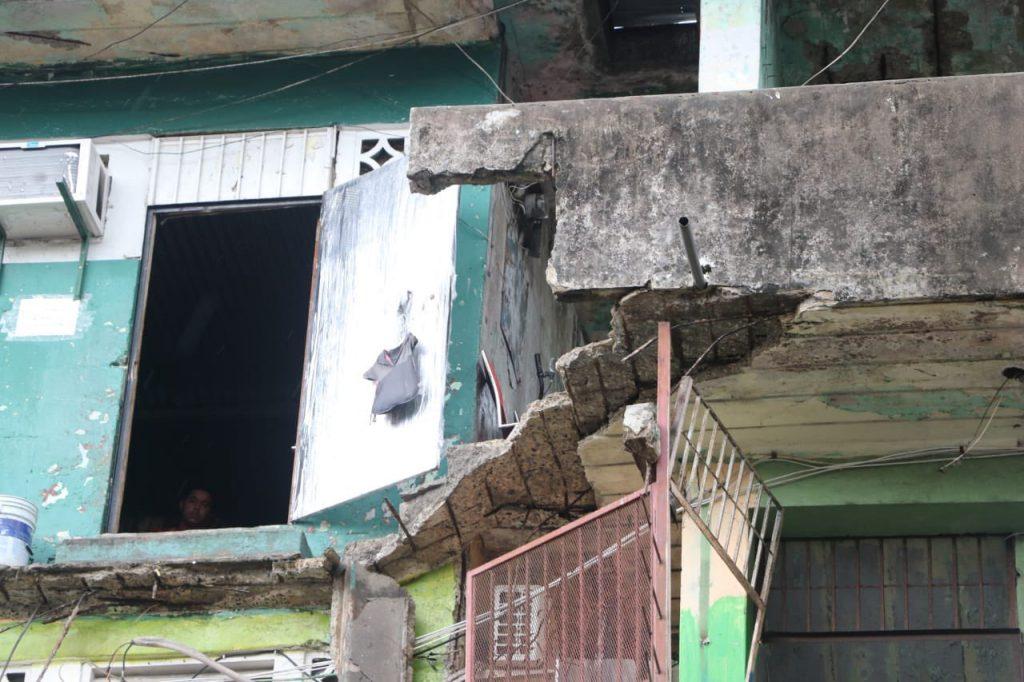 Vista del balcón desplomado en Calidonia
