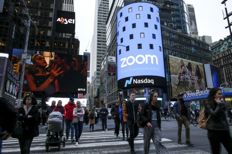 Wall Street terminó en rojo, el Nasdaq cae 2,6%
