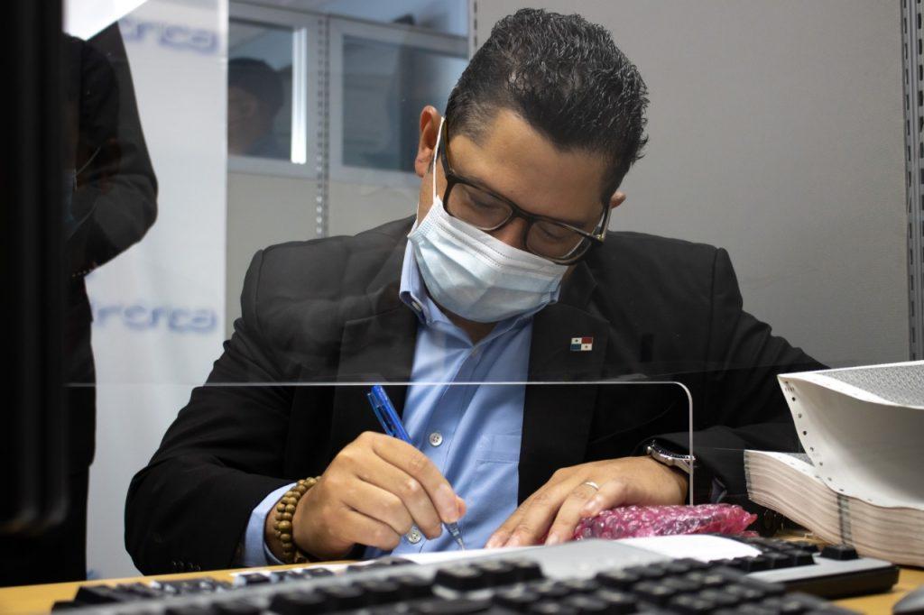 Autoridades de Mitradel renuevan firmas