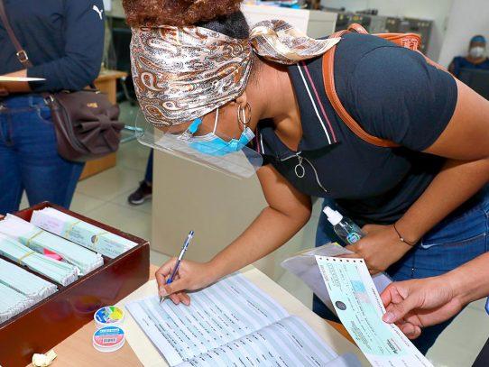 Iniciósegundo pago de becas a estudiantes universitarios