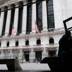 En Wall Street, el Nasdaq limita sus pérdidas y el Dow Jones cae