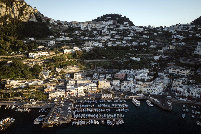 Capri, el destino predilecto del jet set, se adelanta a recibir vacunas