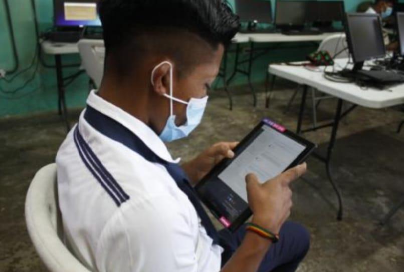 Gabinete aprueba extender seis meses más el uso de bandas de frecuencias para planes educativos