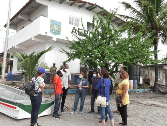 Autoridades educativas conocen condiciones de escuelas en el Archipiélago de Las Perlas