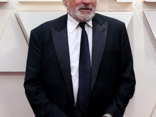Robert de Niro se recupera en Nueva York de lesión en una pierna