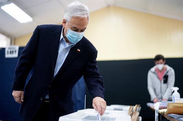 """Piñera: """"En los países sabios, las constituciones son marcos de unidad"""""""