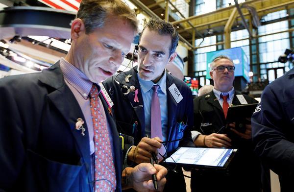 Wall Street cerró con pérdidas y el Dow Jones bajó un 0,24 %