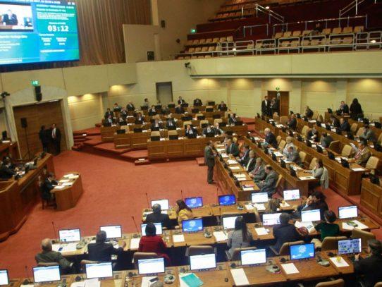 Congreso de Chile avanza en restablecer el voto obligatorio