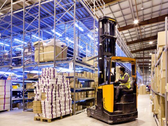 Panamá expone ventajas competitivas como hub de manufactura y logística