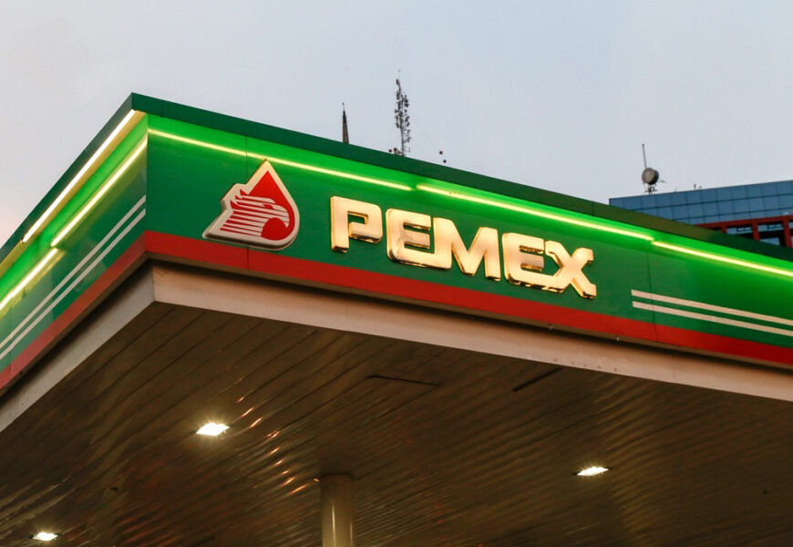 Estatal mexicana Pemex compra total de acciones de refinería en EE.UU