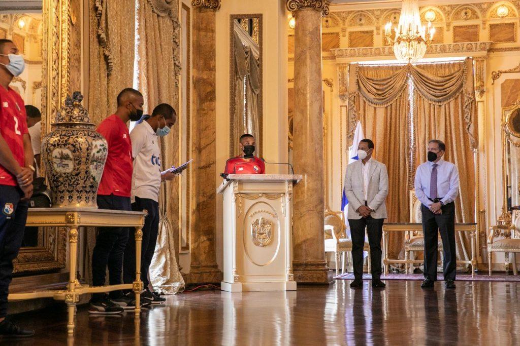 Selección de Futsal visitó al presidente Cortizo