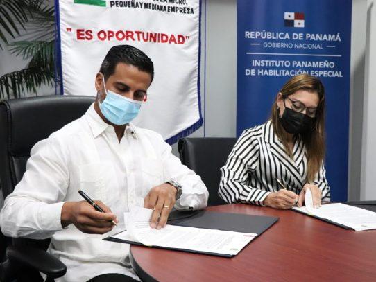 IPHE y Ampyme firman acuerdo de asistencia técnica para proyectos de capacitación