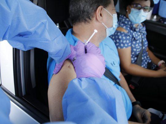 Pacientes crónicos deberán inscribirse desde el 5 de julio para la vacunación