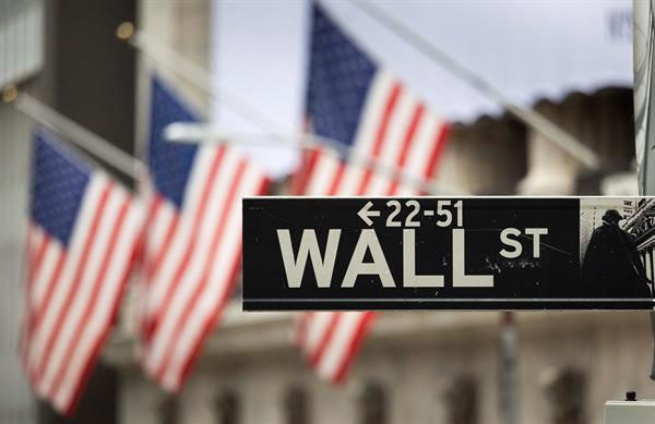 Wall Street cerró con pérdidas en el Dow y el S&P 500, pero récord en Nasdaq
