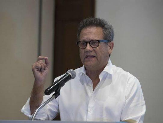 Aspirante presidencial nicaragüense, retenido en el aeropuerto al volver de EE.UU.