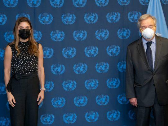 Canciller panameña se reúne con secretario general de la ONU