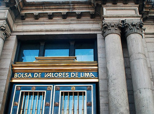 Bolsa de Perú cae más de 7% y dólar alcanza nivel récord ante incertidumbre electoral