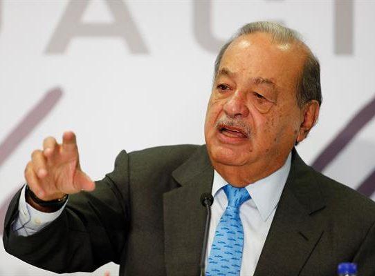 Carlos Slim ofrece rehabilitar tramo colapsado del metro de Ciudad de México