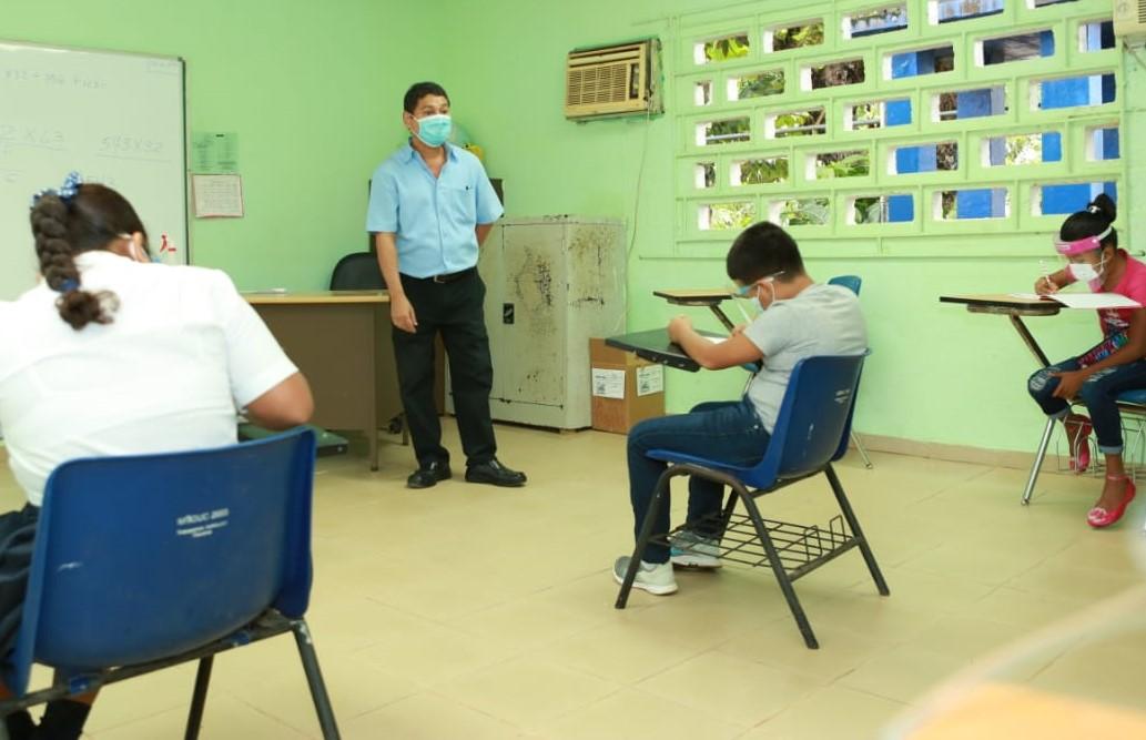 Panamá entre los 23 países de América Latina con escuelas parcialmente abiertas