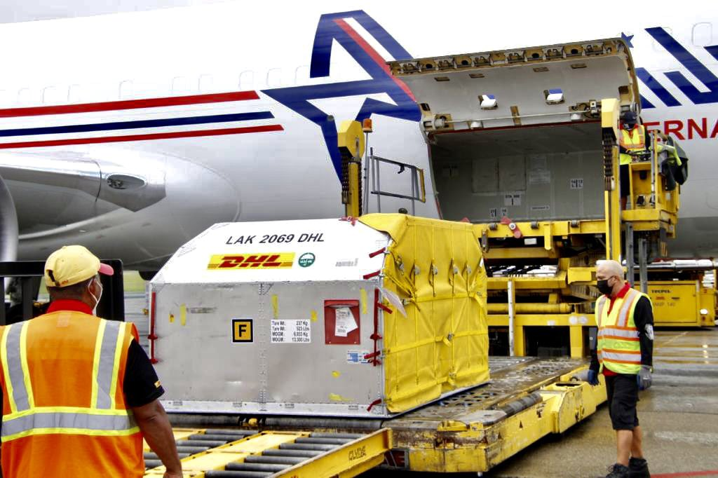 Panamá recibe nuevo embarque con 42,120 dosis de Pfizer