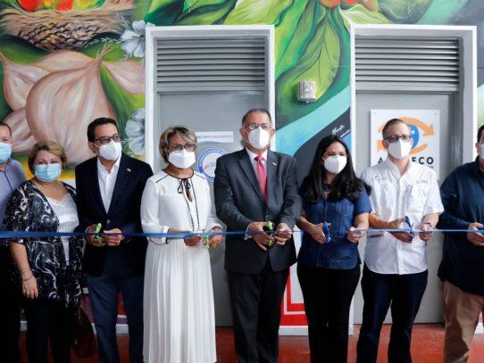 Instalan en Merca Panamá oficinas de Aduanas, MINSA y Acodeco