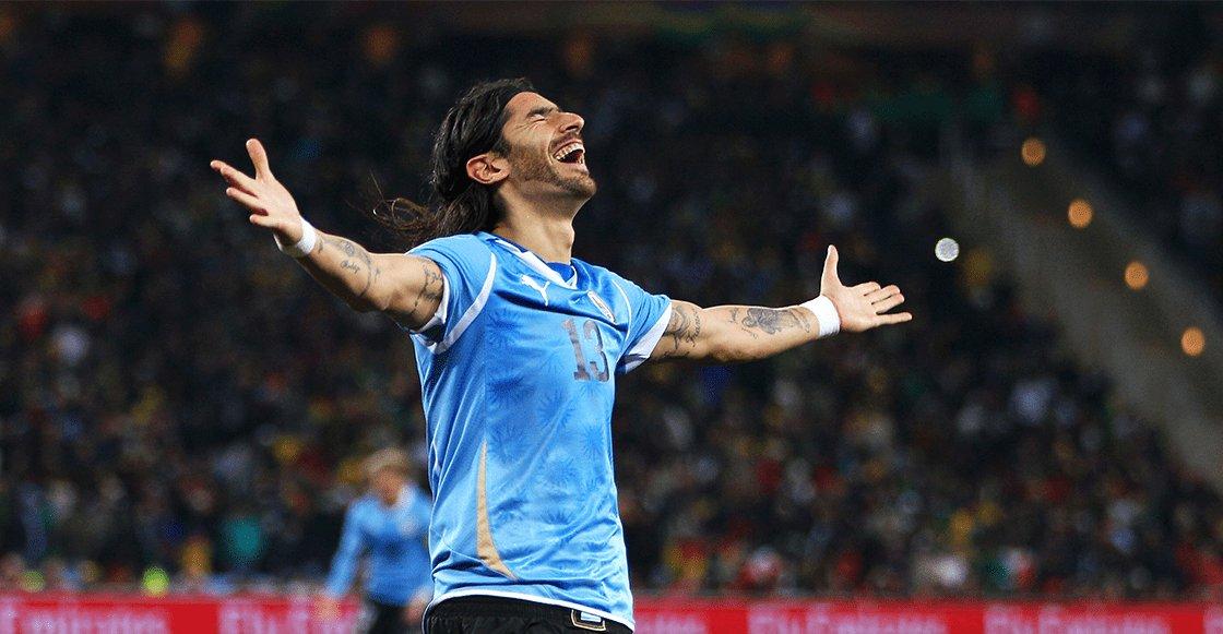 Se retira del fútbol el 'Loco' Abreu, el jugador que integró más clubes del mundo