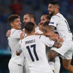 El balón rueda por fin en la Eurocopa e Italia empieza fuerte