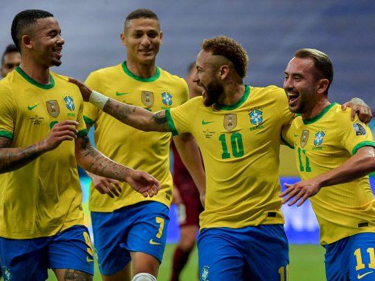 Poder de fuego y defensa sólida, la exitosa fórmula de Brasil