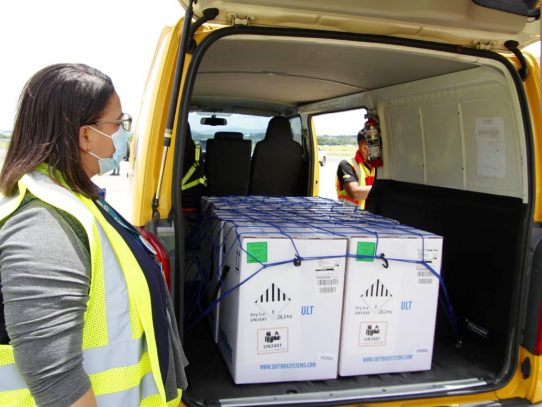 Panamá recibe lote con 43,290 dosis para seguir la estrategia de vacunación