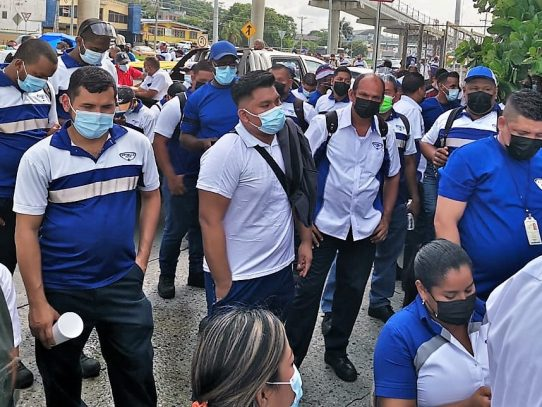 Tras inicio de huelga, CCIAP apela al diálogo entre Estrella Azul y sindicato