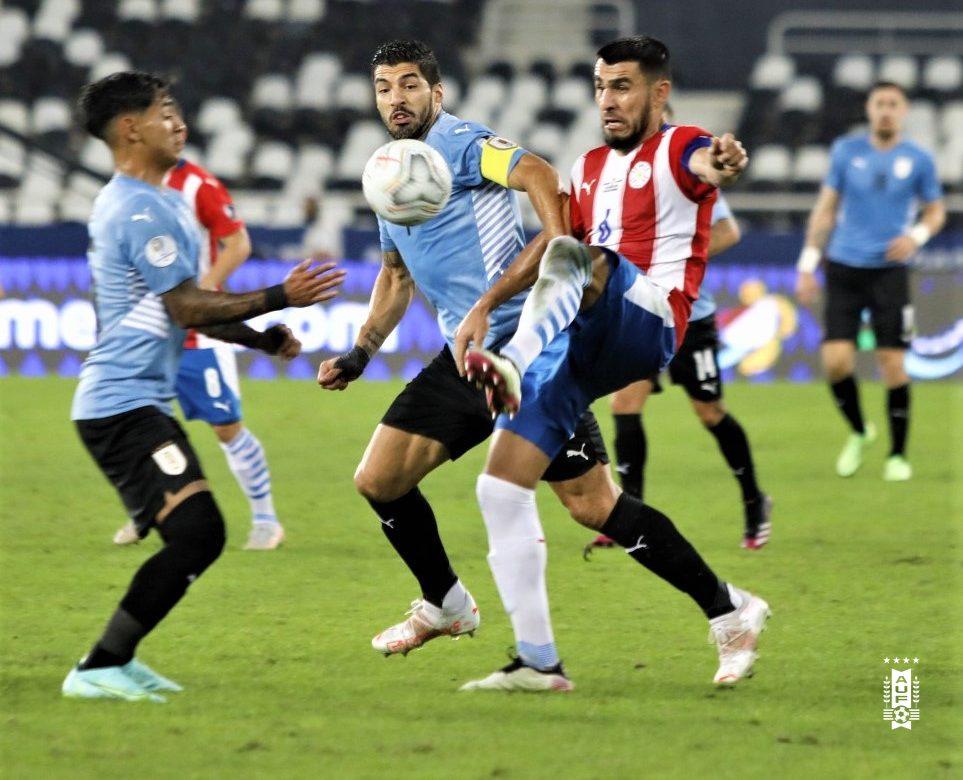 Uruguay vence a Paraguay y chocará con Colombia en cuartos de la Copa América