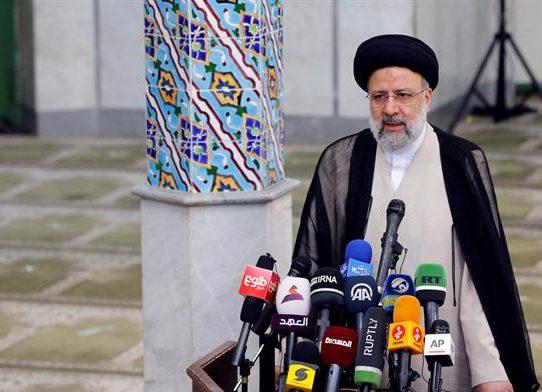 El rigorista Raisí logra un abrumador triunfo en las presidenciales de Irán