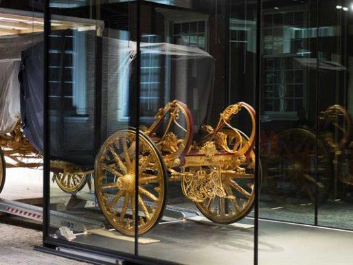 La carroza dorada de los reyes de Países Bajos: ¿símbolo del racismo?