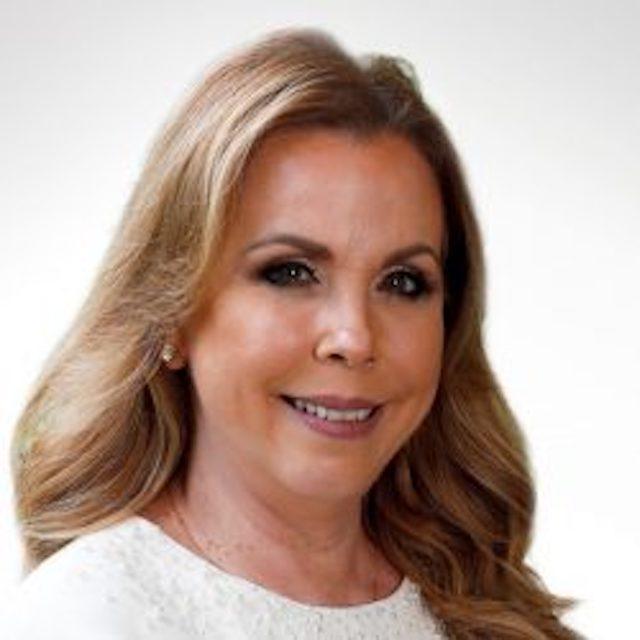 Elisa Suárez de Gómez reelegida en Junta Directiva de la APEDE