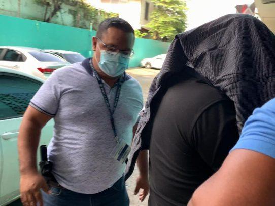Caso de vacunaciones clandestinas ya tiene un imputado y detenido