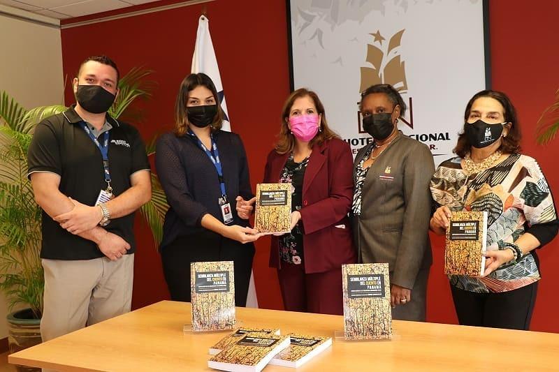 """Biblioteca Nacional recibió la donación del libro """"Semblanza Múltiple del Cuento en Panamá"""""""