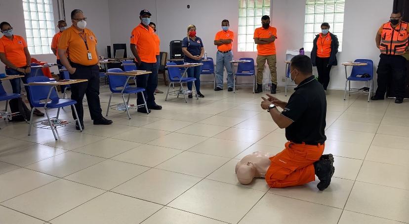 Colaboradores del SINAPROC se capacitaron en primeros auxilios