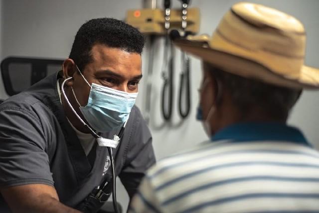 Médicos especialistas serán contratados por la Caja de Seguro Social