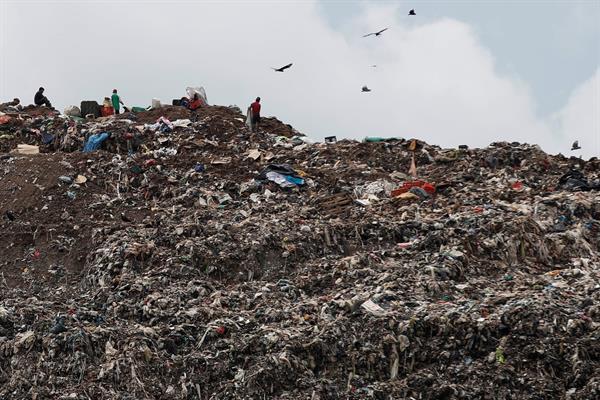 """El mayor vertedero de Panamá es un """"desastre ambiental y sanitario"""""""