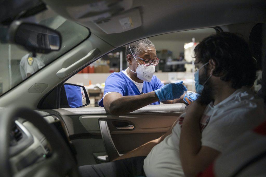 En Ohio ofrecen un millón de dólares a Quines se vacunen contra el coronavirus