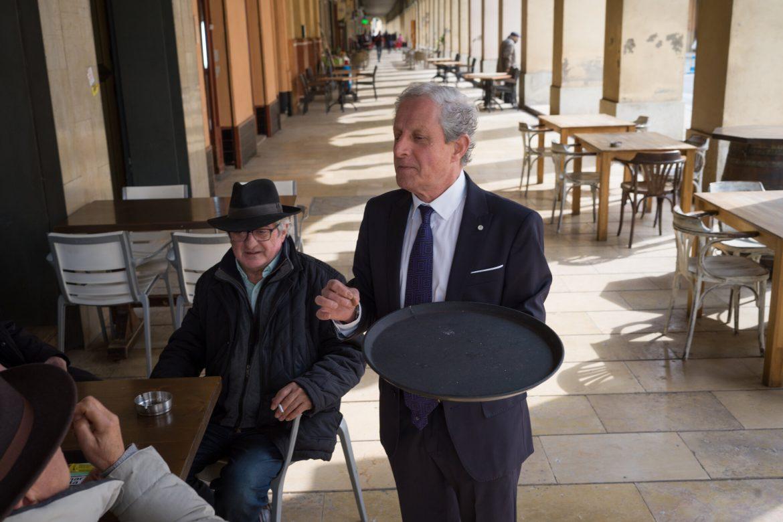 """""""Soy el hijo del rey"""": un camarero asegura que es el primogénito de la corona española"""